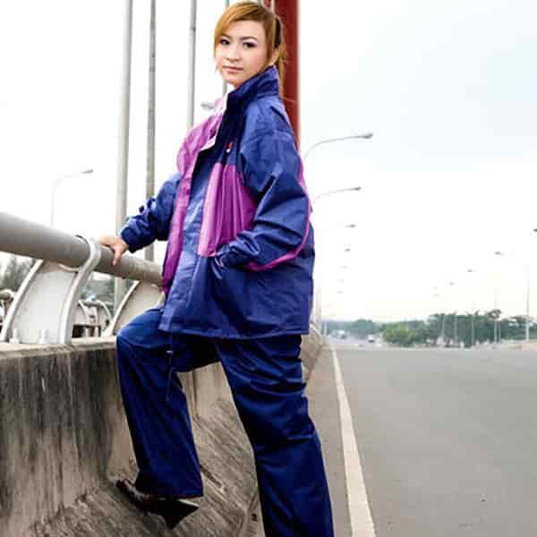 can i iron a raincoat